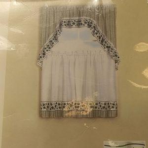 New Unused Curtain Set